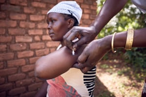 Dausi Mukwana receives a Sayana Press injection
