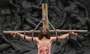 Good Friday commemorates the crucifixion of Jesus Christ before his resurrection on Easter Sunday.