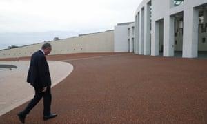 Barnaby Joyce arrives at Parliament House amid the dual citizenship crisis
