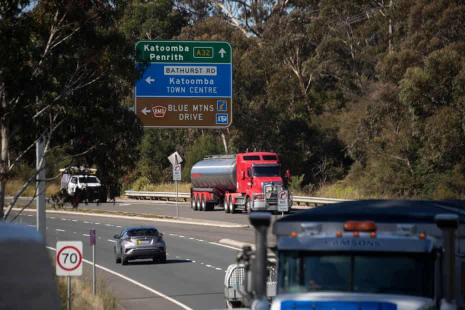 The road to Katoomba in the Blue Mountains