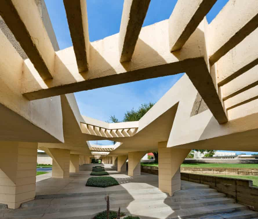 Wright's campus at Florida Southern College, whose 'colonnades of questionable usefulness march on seemingly for miles'.