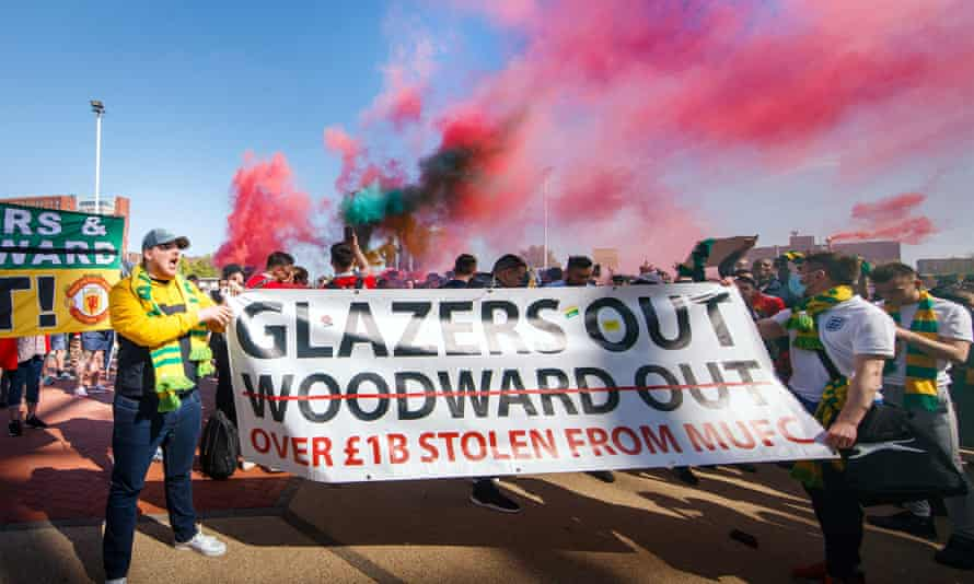 Manchester United fans protest against the club's ownership.