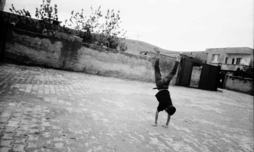 Image of Ayshe, 9, from Mardin, Turkey.