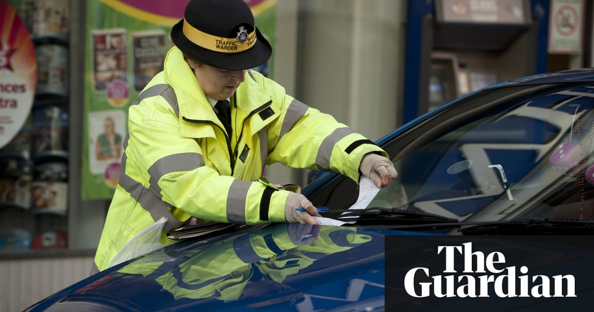 traffic wardens to be abolished with powers given to volunteers uk news the guardian. Black Bedroom Furniture Sets. Home Design Ideas