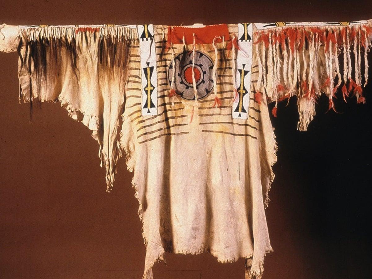 Exeter To Repatriate Blackfoot Regalia To Siksika Nation World News The Guardian