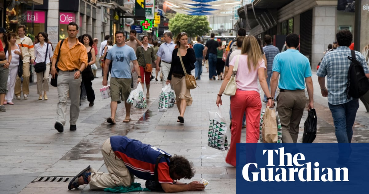 can we decrease homlessness If your heart has been gripped by the hungry, thirsty, strangers on the streets, learn how to help the homeless with these four acts of kindness.