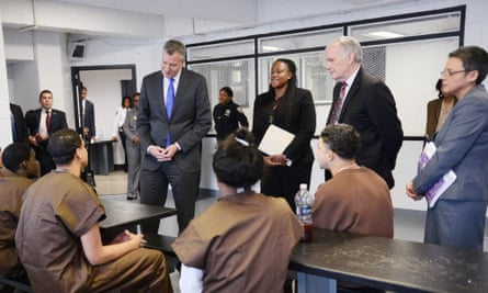 Bill de Blasio speaks to inmates at Rikers Island.