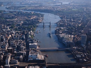 Aerial photograph of London from 1986