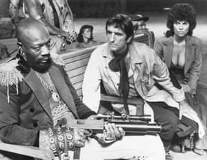Isaac Hayes, Harry Dean Stanton and Adrienne Barbeau in Escape from New York, 1981