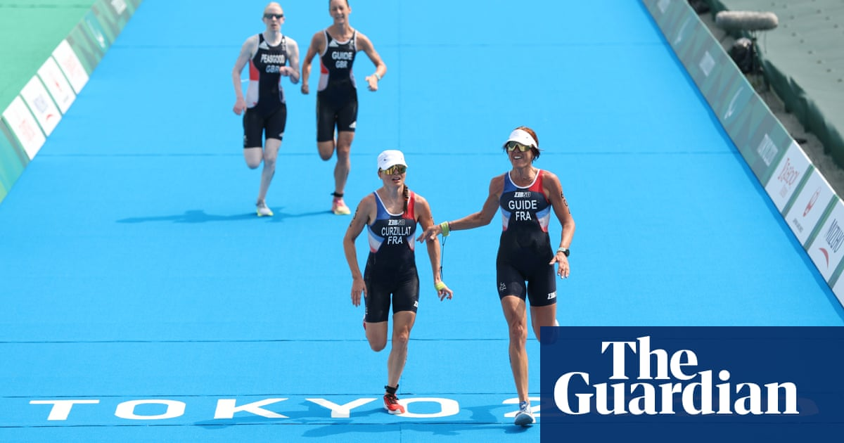 Alison Peasgood pushes to the last in rousing finish to Paralympic triathlon