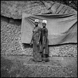 Les Deux Villageoises au Pagne, 1974, by Sanlé Sory
