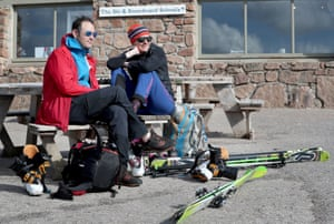 Skiers relax after enjoying the snow in the Cairngorns