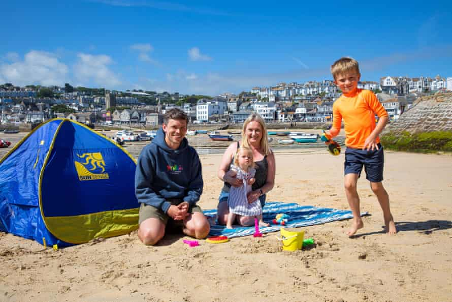 """""""If anything, G7 has added to the experience,"""" says Mark Leatham, who is pictured with wife Leanne and their kids Bertie and Rosemary."""