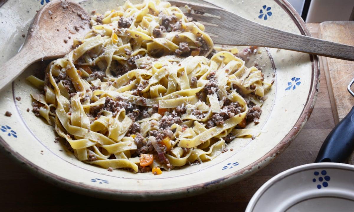 ragu alla bolognese recipe to provoke debate | Kitchen sink tales ...