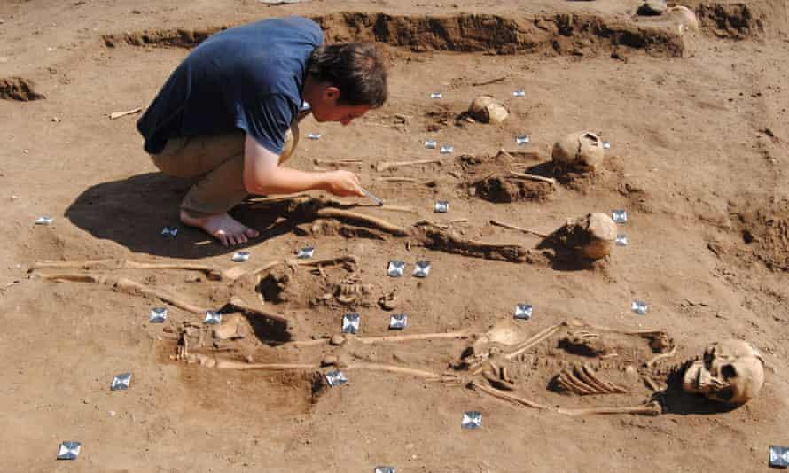 Black Death burial pit at Thornton Abbey