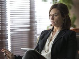 Maggie Siff as Wendy Rhoades in Billions (Season 1, Episode 1). - Photo: JoJo Whilden/SHOWTIME - Photo ID: Billions_101_3674.R