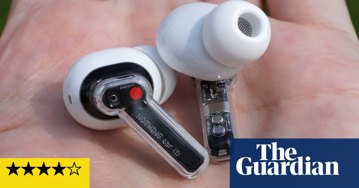 Nothing Ear 1 리뷰: funky, semi-transparent earbuds worth a listen