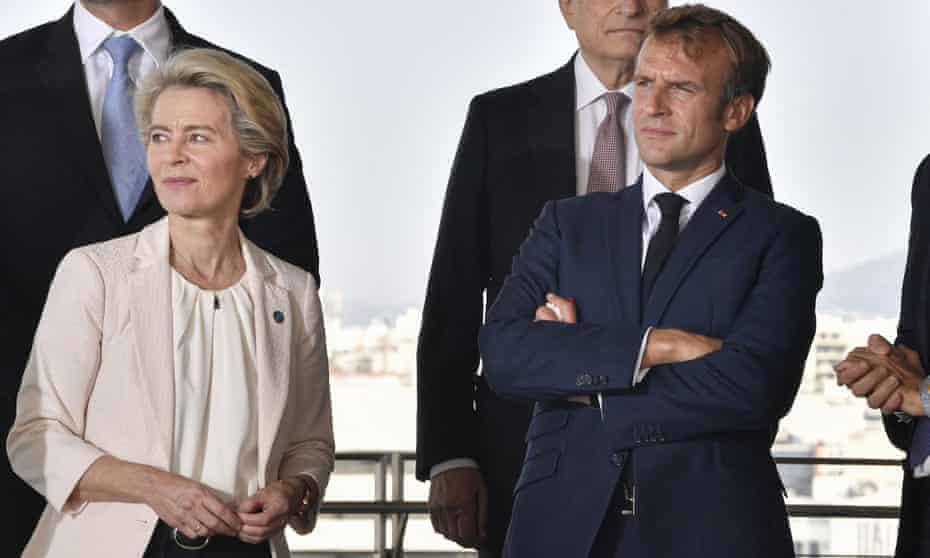 Ursula von der Leyen and Emmanuel Macron