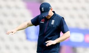 Eoin Morgan grimaces after suffering a 'flake fracture' injury to his finger in training.