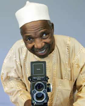Sidibé with his Rolleiflex in 2006