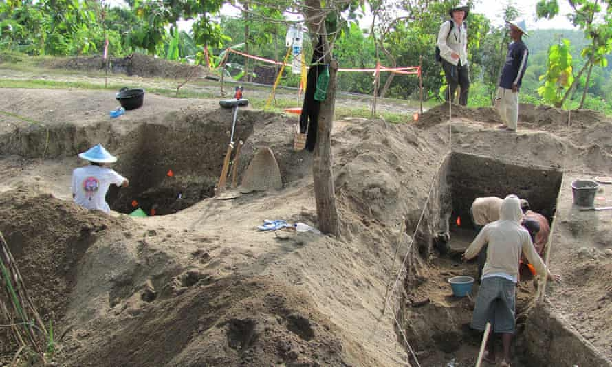Excavations at Ngandong, Indonesia in 2010.
