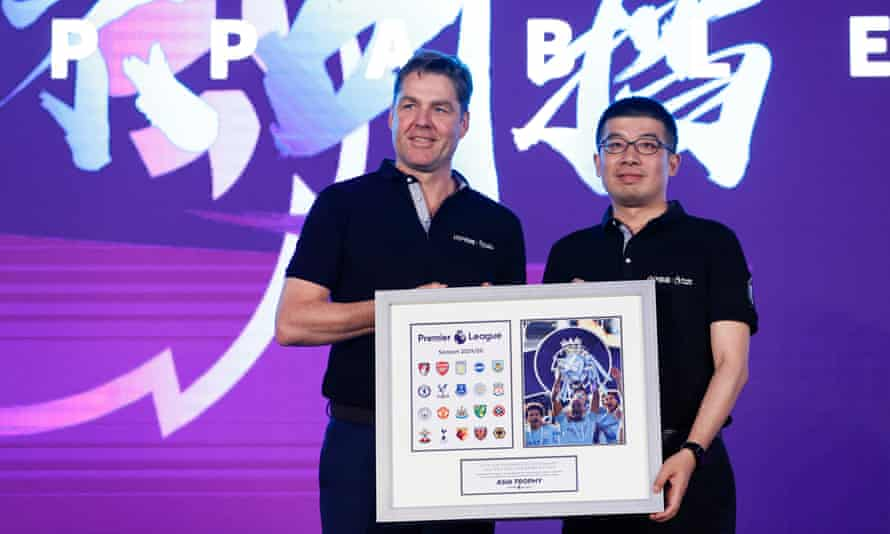 The Premier League's chief executive, Richard Masters, with the executive vice-president of Suning Sports Group, Wang Dong, in Shanghai in July 2019.