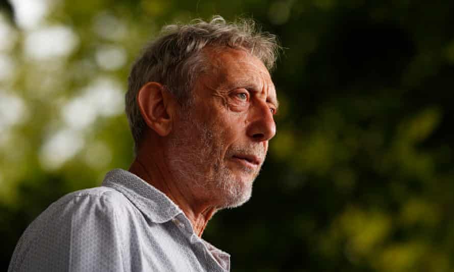Michael Rosen 'When you ask students for opinions, quite often they are unwilling or unsure how to express a view of their own.'