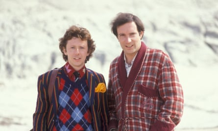 Ford Prefect (David Dixon) and Arthur Dent (Simon Jones) from the BBC TV series of The Hitchhiker's Guide to the Galaxy