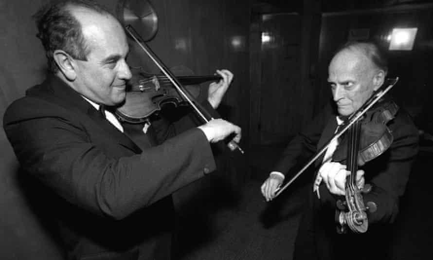 Igor Oistrakh, left, and Yehudi Menuhin at the Royal Festival Hall, London, in 1989.