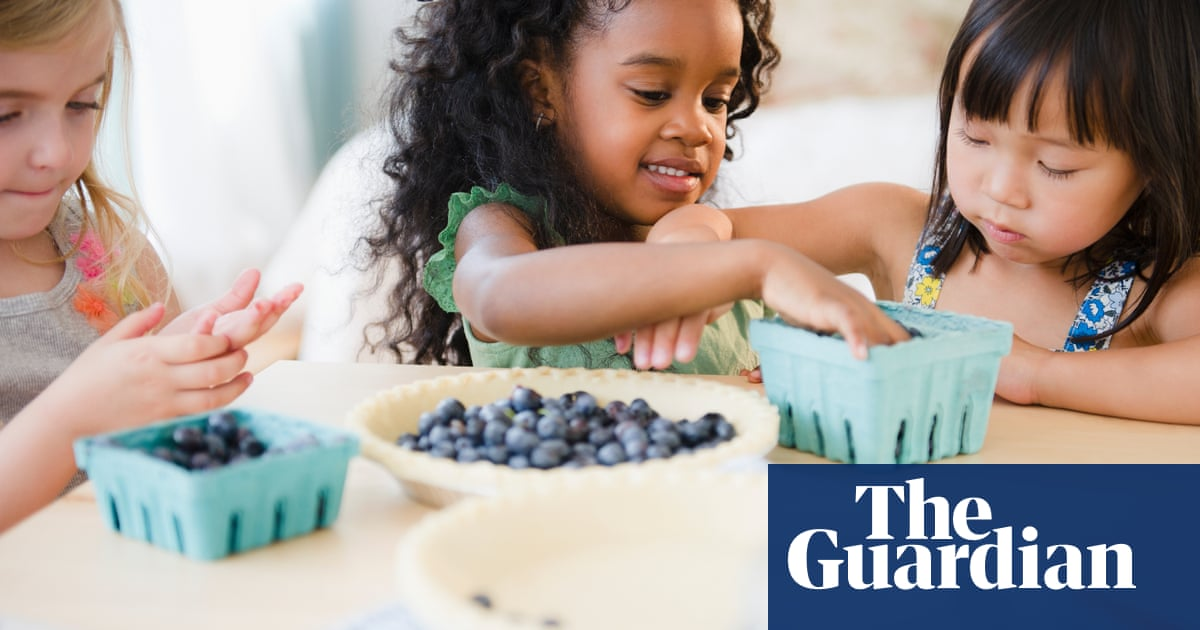 'No food should be taboo': how to tackle your child's weight- without dedicate them a complex