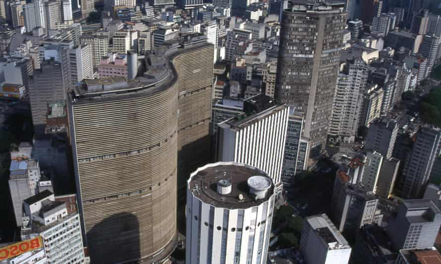 """The Copan building is in the shape of the tilde above the """"a"""" in São Paulo."""