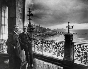 Léon Spilliaert, left, with the sculptor Oscar Jespers on the balcony of the Kursaal, Ostend, August 1925.