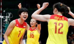 Xinyue Yuan celebrates with teammates