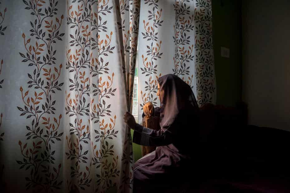 Misbah, like some of her friends, was not able to come out of her home for many months. She said that she couldn't concentrate on her studies and thought that COVID might attack her and her family