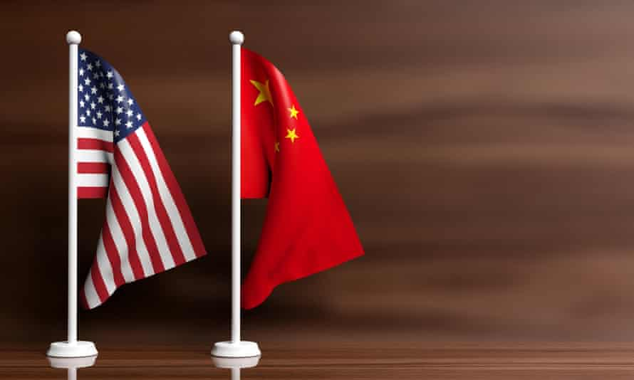 Model of American and Chinese flags