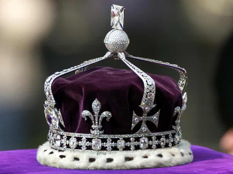 The Koh-i-Noor stone was in the Queen Mother's crown at the coronation of her husband King George V1.