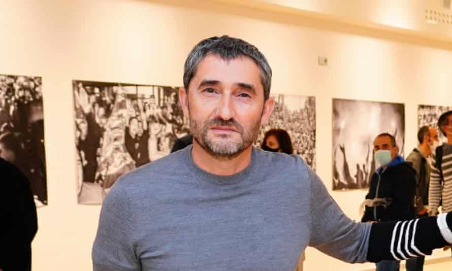 Ernesto Valverde pictured at the former Barcelona manager's new photography exhibition