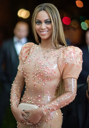 Beyoncé in a suspiciously coloured Givenchy dress.