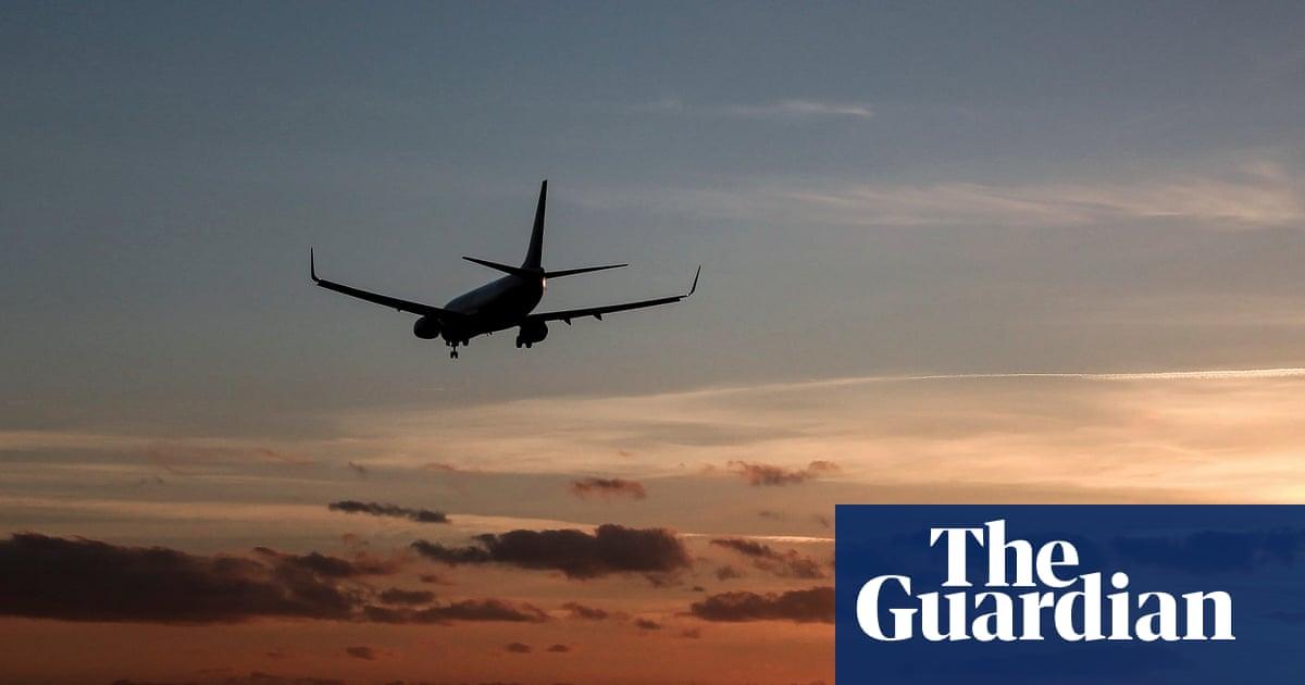 Boeing 737 cargo pilots rescued after emergency landing in Pacific Ocean