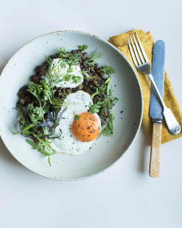Lentils, herbs and a fried egg