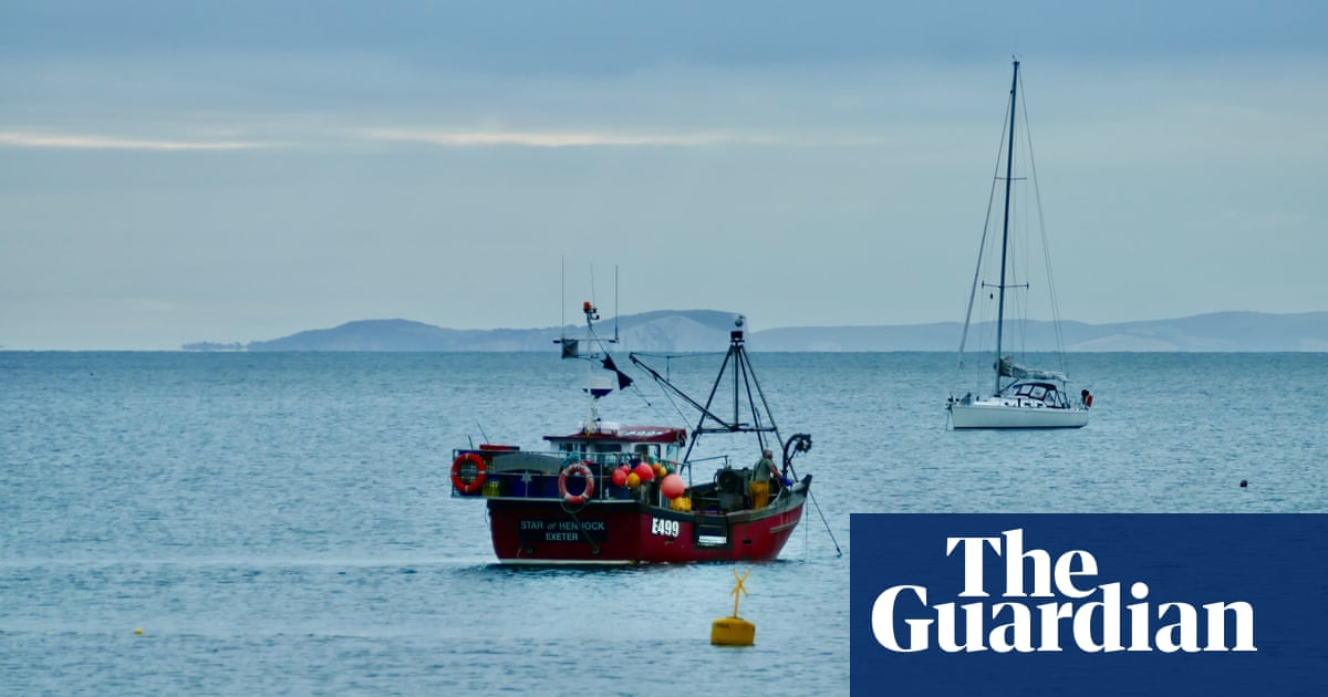 Call for action to cut climate impact of UK's ageing fishing fleet
