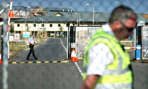 Guards at the main entrance of Yarl's Wood immigration removal centre