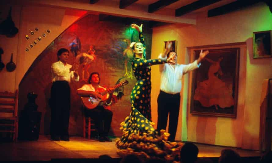 A show at Los Gallos.