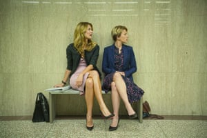 Laura Dern and Scarlett Johansson in Marriage Story.