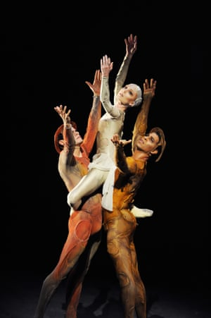 Soares with Sarah Lamb and Carlos Acosta in Gloria at the Royal Opera House in 2011
