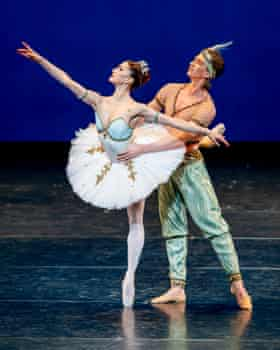 Marianela Nuñez and Vadim Muntagirov in Le Corsaire from the Royal Ballet's Within the Golden Hour.