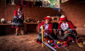 Quechua women have returned to Ccaccaccollo