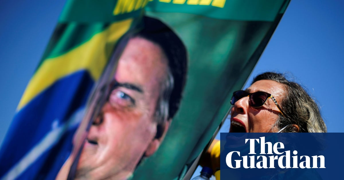 Top Brazil newspaper in pro-democracy drive as unease grows about Bolsonaro