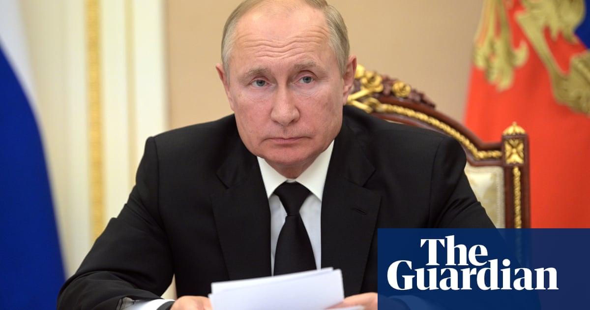 Putin self-isolates after coronavirus found in entourage