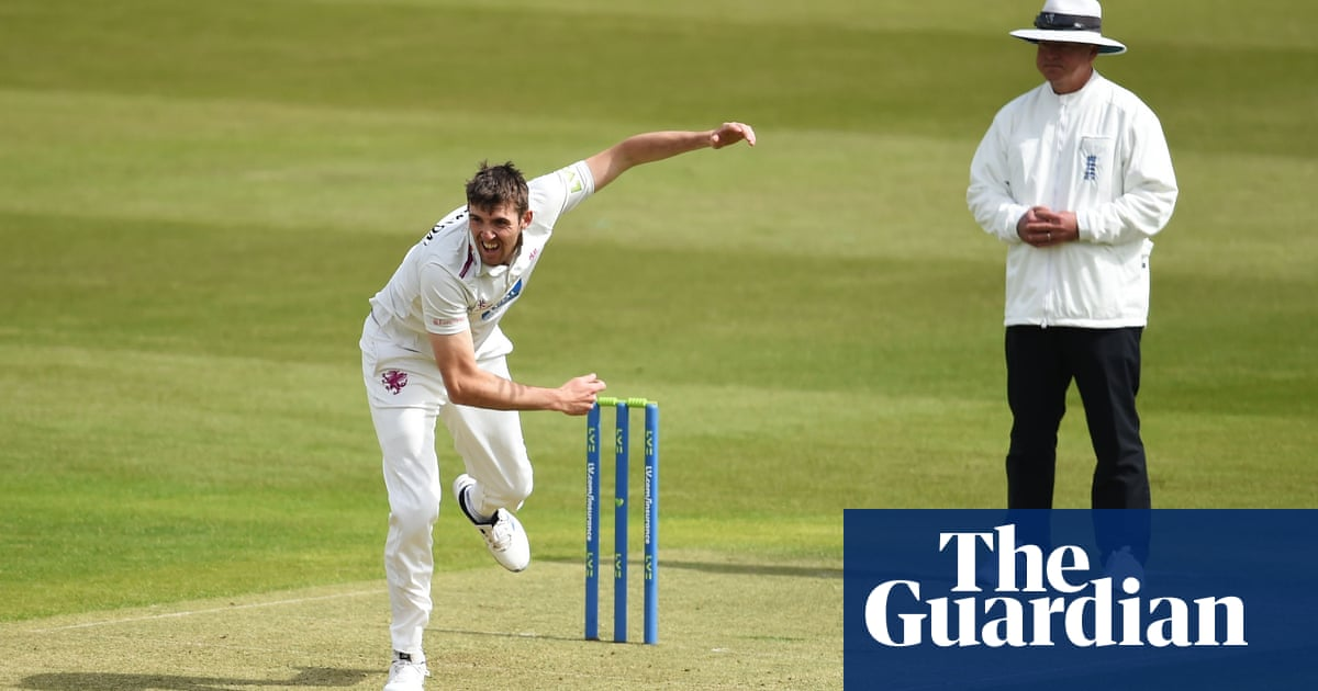 England braced for backlash if Craig Overton replaces Robinson   England cricket team
